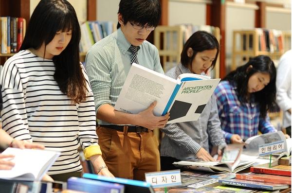 Du học Hàn Quốc bằng tiếng Anh đem lại nhiều lợi ích cho người học